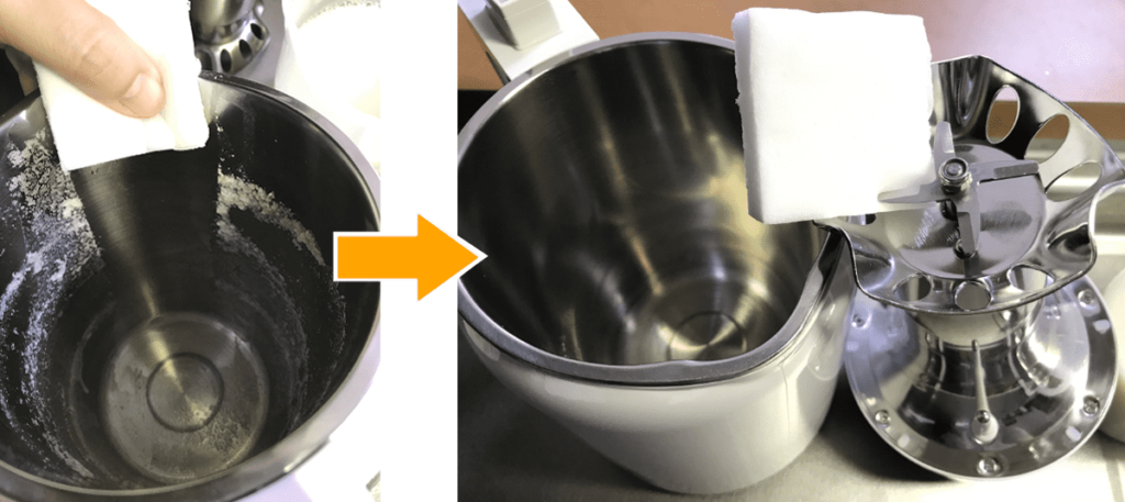 小さな豆乳工場をメラミンスポンジで洗う画像